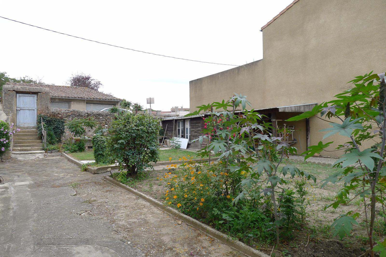 Vente limoux centre maison de ville avec jardin for Centre de jardin
